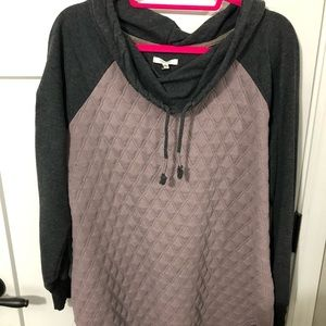 Maurice's sweater/sweatshirt